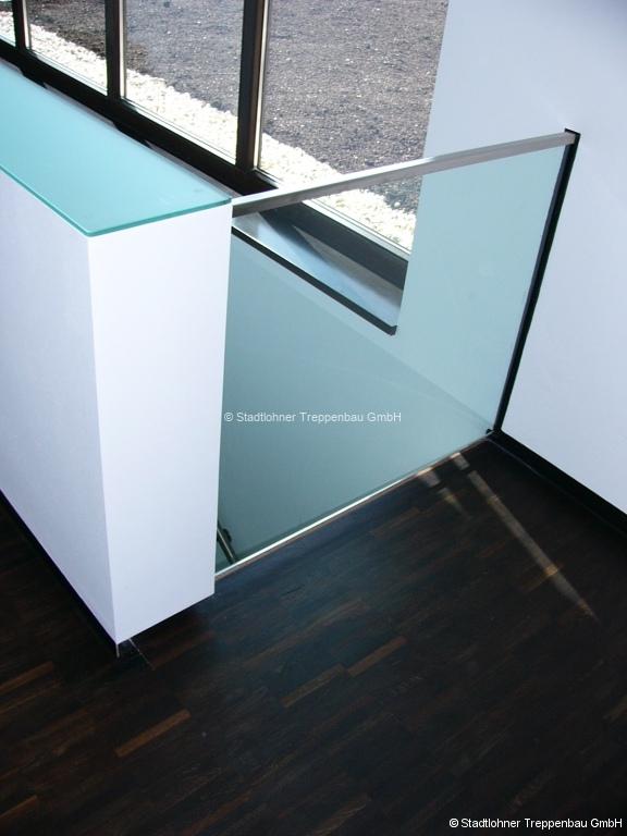 Glasgelaender-26